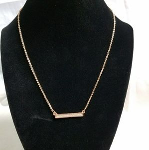 Jewelry - 👑Cute Rose Gold Bar Necklace.